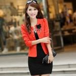 เสื้อสูทผู้หญิง แขนยาว เสื้อสูท สำเร็จรูป สีส้ม แต่งกระดุม เรียง สีทอง ติดดอกไม้ ที่อกเสื้อ สีดำ เสื้อคลุม ใส่ทับ ชุดแซก ทำงาน ออกงาน 802895_1