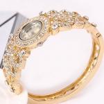 นาฬิกาข้อมือผู้หญิง กำไลข้อมือ นาฬิกา สีทอง ฝังเพชร คริสตัล ลายใบไม้ นาฬิกาแบบหรู ใส่ออกงาน ราคาถูก 105231