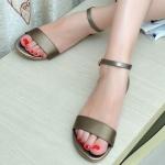 รองเท้าแฟชั่น ผู้หญิง รองเท้าส้นแบน แบบมีสายรัดข้อ เท้าเปลือย ใส่สบาย รองเท้าใส่เที่ยว แบบเก๋ ๆ สีดำ สีขาว 500971