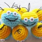 พวงกุญแจหัวตุ๊กตามินเนี่ยนถักโครเชต์ minions crochet keychain