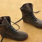 รองเท้าบูทผู้หญิง หนังแท้ รองเท้ามาตินบูท ส้นแบน สีพื้น สไตล์ สาวคาวบอย เท่ ๆ สีเทา ใส่กับยีนส์ เท่สุด ๆ รองเท้าผ้าใบแบบหุ้มข้อสูง 399771_9