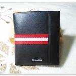 กระเป๋าสตางค์ผู้ชายหนังนิ่ม Bally สีดำคาดแถบแดง b10318