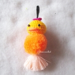 พวงกุญแจปอมปอมเป็ดเหลือง pompoms duck crochet keychain