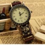 นาฬิกาข้อมือ สายหนังวัวแท้ ผู้หญิง ผู้ชาย ใส่ได้ แบบ Rock Punk สายหนังแท้ ติด จี้หัวกะโหลก ทองเหลือง แบบสวย งาน Hande made ใส่เท่มาก 602743