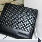กระเป๋าสตางค์ผู้ชาย ใบสั้น สีดำ ลายตาราง ลูกเต๋าเล็ก กระเป๋าสตางค์หนังแท้ ดีไซน์ หรู เรียบ คลาสสิค เหมาะสำหรับ หนุ่ม นักธุรกิจ 626503_1