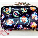 กระเป๋าใส่ของ น่ารัก ๆ แบ่งซิป 3 ช่อง สวยมาก ๆ คร่า ลาย เจ้าหญิง สีดำ
