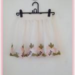 **สินค้าหมด skirt270 กระโปรงแฟชั่นงานแพลตตินั่ม ผ้ามุ้งปักชายลายดอกไม้คลุมทับผ้าแก้ว สีครีมดอกชมพู เอวยืดลายลูกไม้ 26-34 นิ้ว