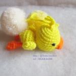 ที่ห้อยกระเป๋า พวงกุญแจตุ๊กตา เป็ดเหลือง ถักไหมพรม yelloe duck dolls pom pom amigurumi crochet keychain