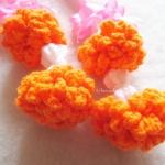 พวงมาลัยดอกดาวเรืองถักแขวนหน้ารถ / แขวนกระจกรถ ถักโครเชต์ thai garland crochet hanging