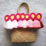 กระเป๋ากระจูดสาน ประดับพู่และดอกทานตะวัน ขนาด 7*7*3.5*9.5 นิ้ว basket weave bags
