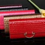กระเป๋าสตางค์ผู้หญิง ใบยาว กระเป๋าสตางค์ แฟชั่น กระเป๋าหนังแก้ว เคลือบเงา สวย มีหูด้านหน้า หลายสี สีแดง ดำ ทอง ม่วง เข้ากับชุดราตรี 896410