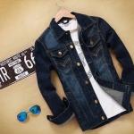 Jacket ยีนส์ แบบเท่ ๆ สีน้ำเงินเข้ม ดีไซน์ กระดุมหน้า เรียงแถว เสื้อยีนส์ คอปก ใส่เป็น แจ็คเก็ตนอก แบบสวย ตีลายเส้น มีกระเป๋าข้าง 926305