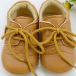 รองเท้าผ้าใบ เด็กเล็ก เด็กผู้ชาย เด็กผู้หญิง ใส่ได้ รองเท้าหุ้มส้น สีน้ำตาล ออกแบบมา น่ารัก ๆ มีเชือกผูกด้านหน้า รองเท้าเด็ก อายุ 3-18 เดือน 14301