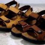 รองเท้าผู้ชาย รองเท้า แบบรัดส้น รองเท้า ใส่เที่ยว รองเท้าหนังแท้ แบบ backpack เดินป่า ใส่สบาย ปรับสายได้ 648504
