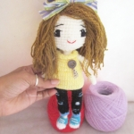 ตุ๊กตาเด็กผู้หญิงถักโครเชต์