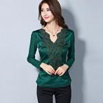 เสื้อลูกไม้ เสื้อแฟชั่น ผู้หญิง เสื้อแขนยาวใส่ออกงาน สีเขียวแก่ ดีไซน์ แขนซีทรู ผ้าเงา แต่งลูกไม้ ใส่ออกงานได้เลย เสื้อคุณนาย แบบไฮโซ 422583_1
