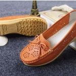 รองเท้าหุ้มส้น ผู้หญิง รองเท้าหนังแท้ รองเท้าคัทชู ใส่เที่ยว ใส่ทำงาน หนังแท้ ใส่สบาย ยึดหยุ่นสูง สีส้ม ปั้มลายดอกไม้ 967424_1