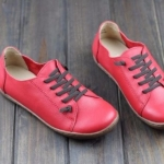 รองเท้าหุ้มส้น ผู้หญิง รองเท้าหนังแท้ รองเท้าผ้าใบหนัง แท้ แบบไม่มีส้น รองเท้า ใส่เที่ยว สีแดง มีเชือกผูก สไตล์ วินเทจ สุดคลาสสิค 903277_1