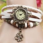 นาฬิกาข้อมือผู้หญิง นาฬิกา สายหนังถัก แบบสร้อยข้อมือ ห้อยจี้ ดอกไม้ ดอกโคลเว่อร์ สัญลักษณ์ ของความสุข ความโชคดี สีขาว 36588_3