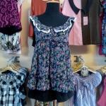 **สินค้าหมด blouse1601 เสื้อแฟชั่นสายเดี่ยว คอระบายโบว์ ผ้าชีฟองลายดอกไม้ โทนสีม่วง