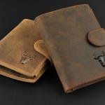 กระเป๋าสตางค์ผู้ชาย หนังวัวแท้ ใบสั้น สีน้ำตาลเข้ม และ อ่อน แบบ 3 พับ ใส่บัตรได้เยอะ กระเป๋าสตางค์หนัง Crazy horse แบบสวย ใช้งานได้ทน วินเทจ 372471