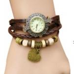 นาฬิกาข้อมือผู้หญิง นาฬิกา สายหนังถัก แบบสร้อยข้อมือ ห้อยจี้รูปหัวใจ สีน้ำตาล หน้าปัดแกะลาย สไตล์วินเทจ ของขวัญ ให้แฟน สุดหรู 970434_3