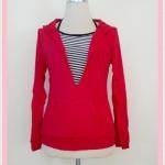 **สินค้าหมด Sale!! blouse1669 เสื้อแฟชั่นผ้ายืดเนื้อดี มีฮู้ด แขนยาว เอวจัมพ์ กระเป๋าหน้า พร้อมเสื้อตัวใน สีแดง อก 40 นิ้ว