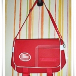 กระเป๋าสะพาย Lc สีแดง