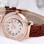 นาฬิกาข้อมือ ผู้หญิง นาฬิกา แฟชั่น หรู นาฬิกา สายหนังแท้ สีน้ำตาล หน้าปัด ใส่เพชร เพิ่มความหรูหรา นำเอาความ สปอร์ต กับ ความหรู ผสมกัน สวยค่ะ 668726