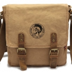 กระเป๋าสะพายข้าง ผ้า Canvas สไตล์ พังค์ แอนโรล มี สกรีน พังค์ด้านหน้า กระเป๋าสะพายผู้ชาย ใส่ได้ทุกโอกาส สีน้ำตาล สีกากี สีเขียวทหาร no 5550775