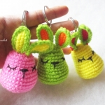 ราคาส่ง พวงกุญแจกระต่าย 3 นิ้ว rabbits amigurumi crochet keychain 3 inches (สำหรับราคาส่ง for wholesale)