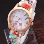 นาฬิกาข้อมือผู้หญิง สายซิลิโคน ใส่กับชุดเดรส นาฬิกา ลายดอกไม้ หน้าปัดสีทอง ใส่เที่ยวทะเล เข้ากับชุดกระโปรง มากค่ะ no 440174_3