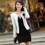 เสื้อสูทผู้หญิง แขนยาว เสื้อสูท สำเร็จรูป สีขาว แต่งกระดุม เรียง สีทอง ติดดอกไม้ ที่อกเสื้อ สีดำ เสื้อ jacket ใส่ทับชุดแซก 802895_3