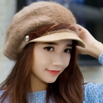 หมวกแฟชั่น ขนสัตว์ สไตล์ สาวยุโรป สีน้ำตาลอ่อน ตัดเส้นคาด สีน้ำตาลเข้ม ดีไซน์ หรูหรา ใส่แล้วดูน่ารัก สุด ๆ ค่ะ 55853_3