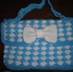 กระเป๋าหิ้วสีฟ้า