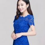 เสื้อผ้าลูกไม้ สีน้ำเงิน เสื้อลูกไม้ แขนสั้น ดีไซน์ ลูกไม้ เป็น ดอกไม้ ด้านบน ซีทรูเล็กน้อย เสื้อแบบผู้ใหญ่ ใส่ทำงาน ออกงาน 867989_1