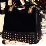 กระเป๋าถือ กระเป๋าสะพายข้าง ผู้หญิง แบบร๊อค ๆ แต่ง หมุดรอบกระเป๋า แฟชั่นร๊อค สี ดำ no 83975