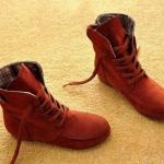 รองเท้าบูทผู้หญิง หนังแท้ รองเท้ามาตินบูท ส้นแบน สีพื้น สไตล์ สาวคาวบอย เท่ ๆ สีน้ำตาลเฉดแดง รองเท้าผ้าใบแบบหุ้มข้อสูง 399771_8