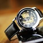 นาฬิกาโชว์กลไก Winner นาฬิกาข้อมือเปลือย นาฬิกาข้อมือผู้ชาย หน้าปัดดำ ฝังเพชรด้านใน ดีไซน์ เส้นโค้ง เพิ่มความคลาสสิค 301459