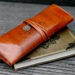 กระเป๋าใส่เครื่องสำอางค์ ใส่แปรงปัดแก้ม หรือ ใช้เป็น กระเป๋าใส่ปากกา ดินสอ หนังแท้ สไตล์ วินเทจ เก๋สุดๆ no 69067