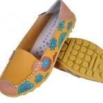 รองเท้าหุ้มส้น รองเท้า คัทชู หนังแท้ รองเท้าผู้หญิง แบบวัยรุ่น หนังแท้ สีเหลือง ดีไซน์ เพ้นท์ลายดอกไม้ แบบน่ารัก ๆ รองเท้าส้นเตี้ย ใส่สบาย 545699