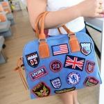 กระเป๋าถือ ผู้หญิง กระเป๋าสะพาย ดีไซน์ กระเป๋ายีนส์แบบถือ กระเป๋ายีนส์ เท่ ๆ แฟชั่นยุโรป สีฟ้า ติดป้าย ธงอเมริกา ธงอังกฤษ แบบเก๋ ไฮโซค่ะ 63568_1