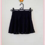 **สินค้าหมด skirt256 กระโปรงแฟชั่นงานแพลตตินั่ม ผ้าหนาเนื้อดี ปักมุกชายกระโปรง สีดำ เอวยืด 26-34 นิ้ว
