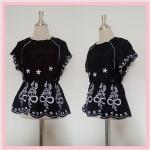 **สินค้าหมด blouse1748 เสื้อแฟชั่นงานแพลตตินั่มผ้านิ่มปักลายช่อดอกไม้ แขนในตัว เอวจัมพ์ สีดำ รอบอก 38 นิ้ว