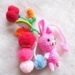 หมูกระต่ายถักไหมพรมติดพู่ปอมปอมห้อยผลไม้ถัก Pompom tassel crochet