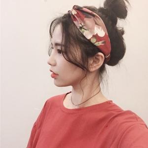 ผ้าคาดผมแฟชั่นโบฮีเมียนสีแดงลายดอกไม้ผ้ามัน