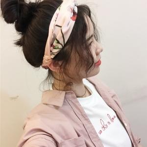 ผ้าคาดผมแฟชั่นโบฮีเมียนสีโอลด์โรสลายดอกไม้ผ้ามัน
