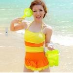 ชุดว่ายน้ำวันพีช สายคล้องคอ ดีไซน์ มีระบาย กระโปรง น่ารัก ไล่โทนสี สีเหลือง สลับ สีส้ม สดใส ชุดว่ายน้ำ น่ารัก สไตล์ สาวเกาหลี 951994_4