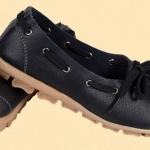 รองเท้าหุ้มส้น ผู้หญิง รองเท้าหนังแท้ รองเท้าคัทชู สีพื้น ดีไซน์ เป็นเชือก ร้อยรอบรองเท้า สไตล์เกาหลี หวาน ๆ น่ารัก สีดำ no 320438