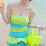 ชุดว่ายน้ำวันพีช สายคล้องคอ ดีไซน์ มีระบาย กระโปรง น่ารัก ไล่โทนสี สลับอ่อน และ เข้ม สีเขียว ชุดว่ายน้ำ น่ารัก สไตล์ สาวเกาหลี 951994_1